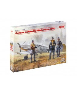 ICM German Luftwaffe Pilots (1939-1945) (3 figures) 1/32