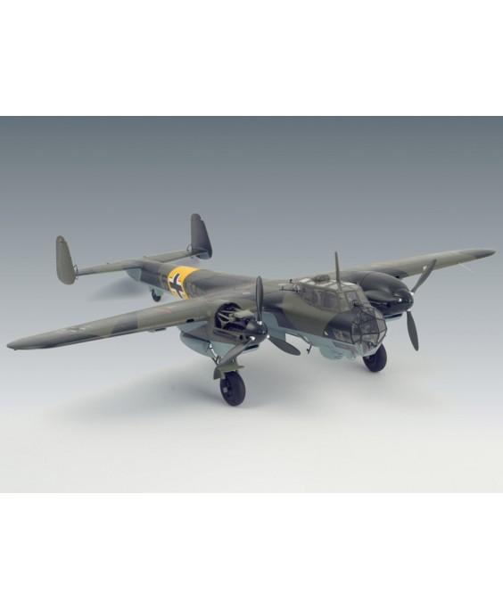 ICM modelis Do 215 B - 4 1/48